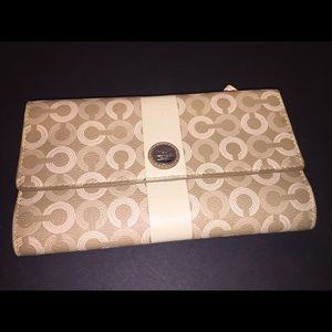 Coach Signature Pale Olive Wallet/ Gold lining